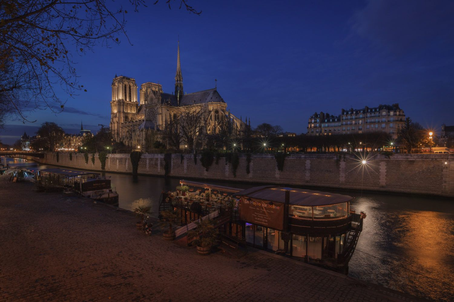paris photo tour